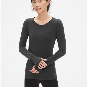 GapFit breathe long sleeve gray shirt